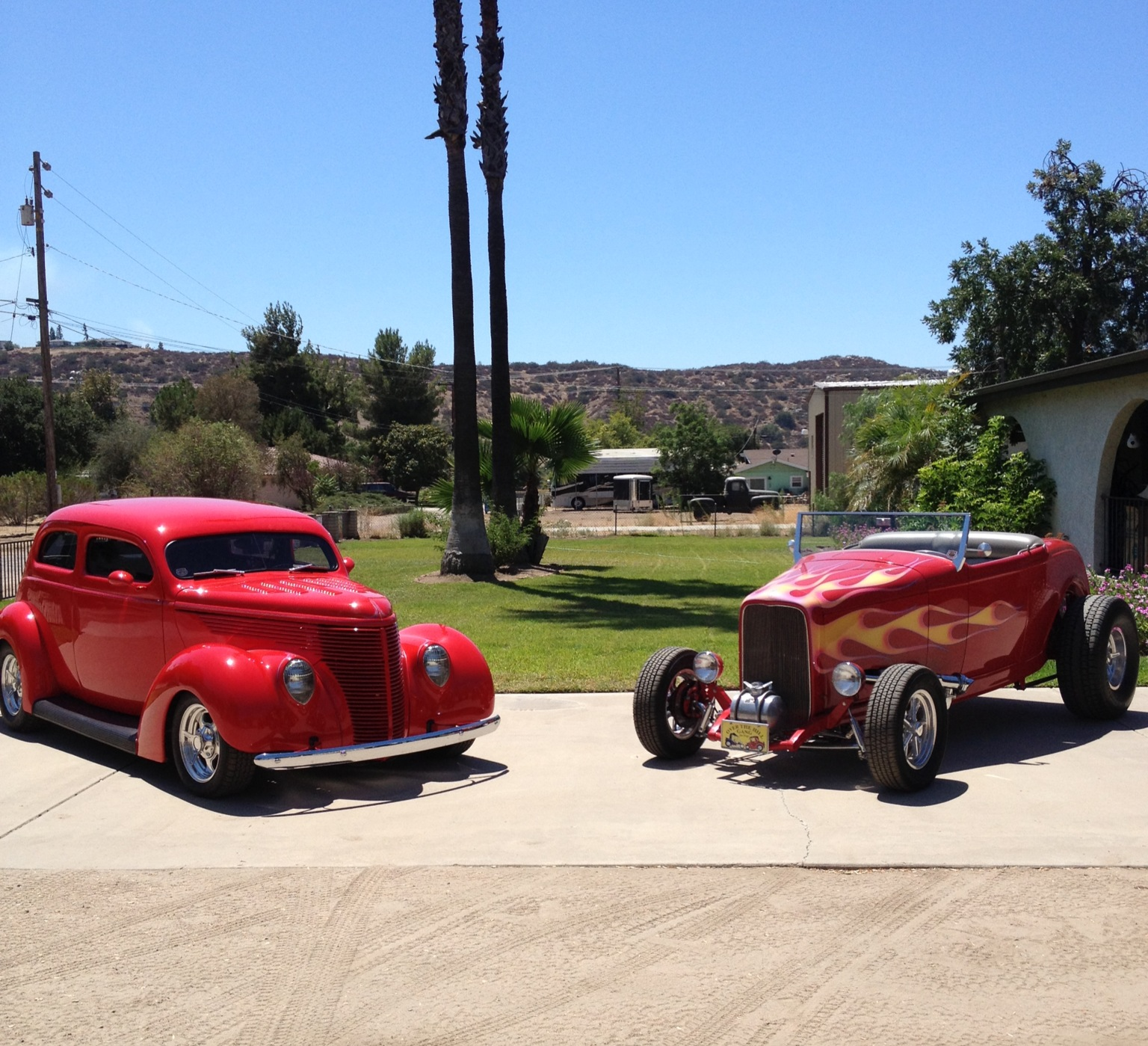 jay linda scarbrough s 32 ford roadster 28 ford sedan 55 chevy